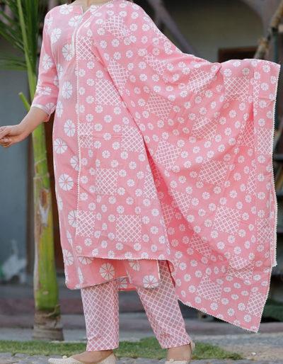 Cotton kurti, dupatta and pant with prints