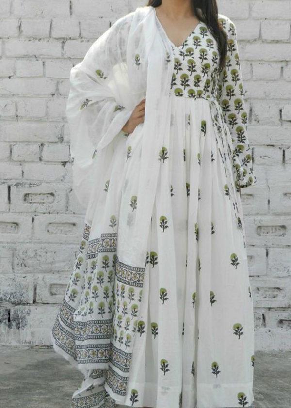 white kurti dupatta
