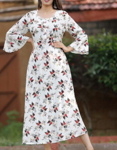 White long kurti with beautiful embroidery