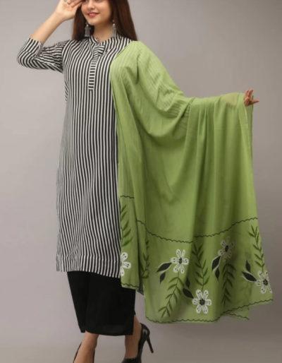 Printed striped kurti and black pant